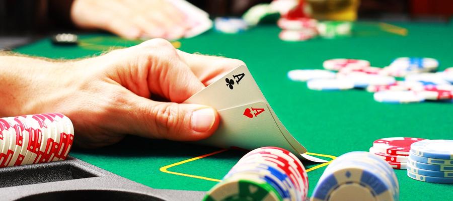 Poker Omaha spécificités et règles